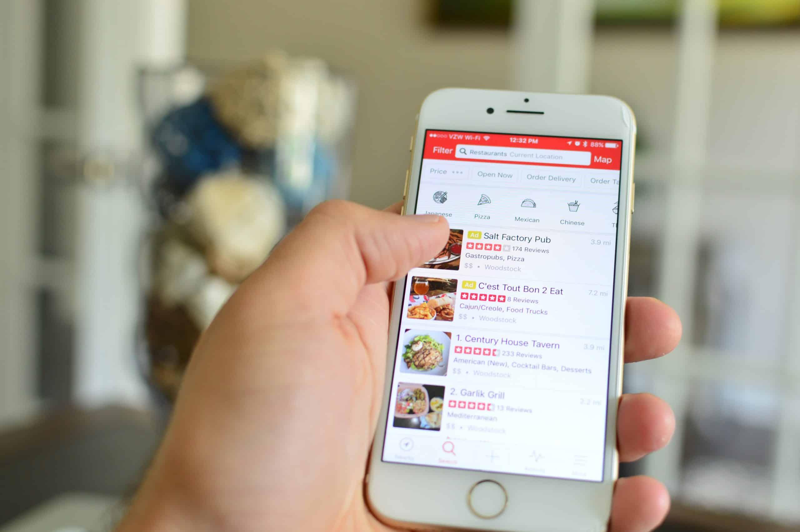 finding-restaurant-using-yelp-app_t20_goKEQ7